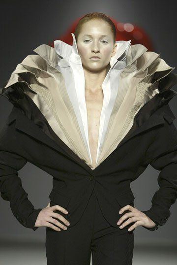 Skin + Bones: Parallel Practices in Fashion and Architecture : La première grande exposition muséale dédiée à la mode et à l'architecture