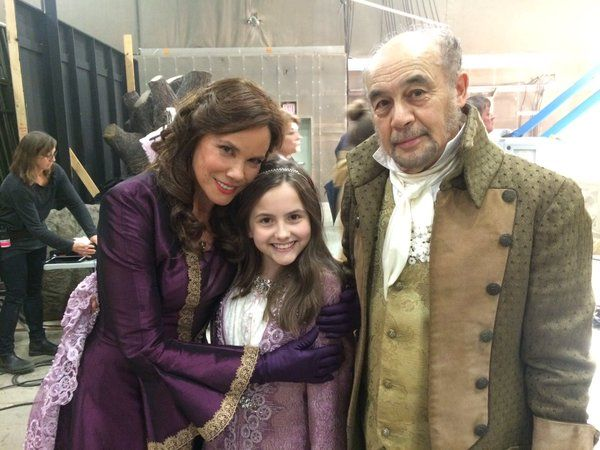 "Barbara Hershey, Ava Acres and Tony Prez - Behind the scenes - 5 * 19 ""Sisters"""