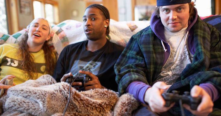"""Como tornar-se """"overpower"""" em """"Demon's Souls"""". O jogo """"Demon's Souls"""" é sinônimo de brutalidade. Após o seu lançamento nos EUA em outubro de 2009, este RPG de ação para o PlayStation 3 tornou-se notório por sua extrema dificuldade. Enquanto os debates sobre """"jogos como arte"""" continuam entre os jogadores entusiastas e os forasteiros, """"Demon's Souls"""" é uma razão para """"jogos como punição"""". O ..."""