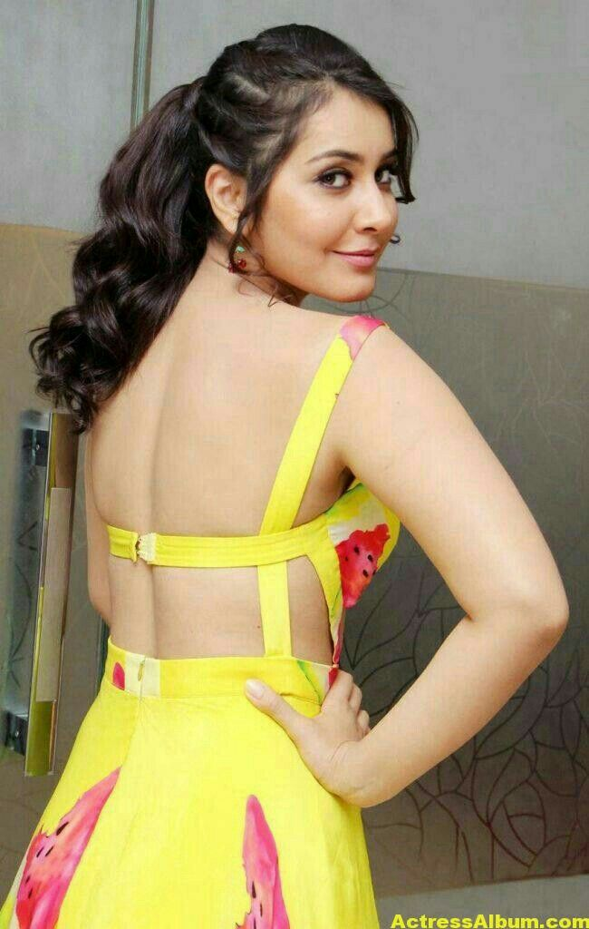 Rashi khanna@backless