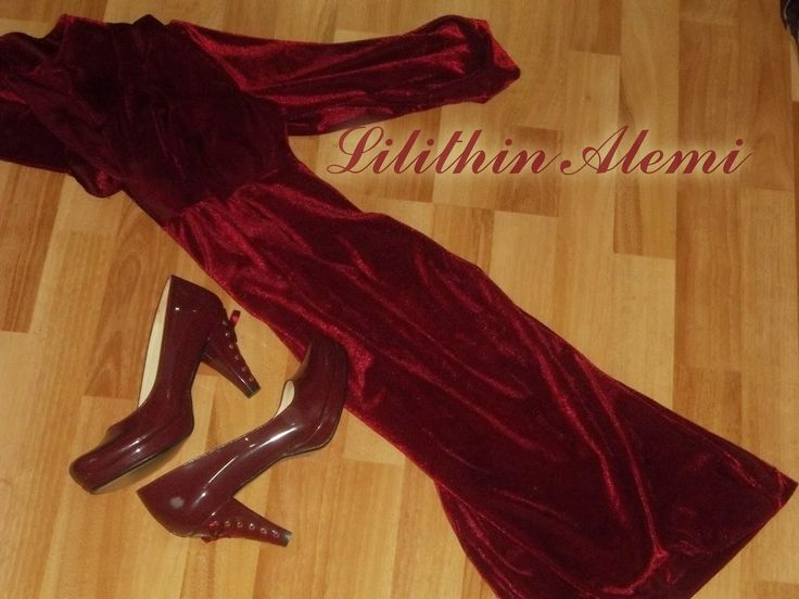 ....# Lilithin #....: Kadife Elbise