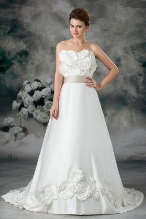 Stunning #CheapWeddingDresses collection for all kinds of women with good quality. http://goo.gl/VCHdbe