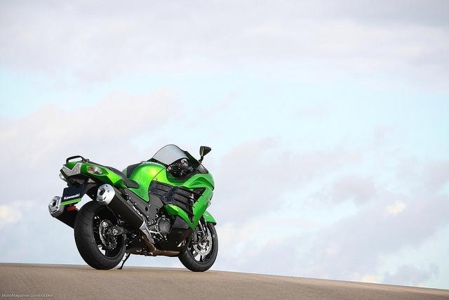 Moto Magazine Kawasaki 1400 ZZR  #MotoMagazine #Motomag #MotoMag #Moto
