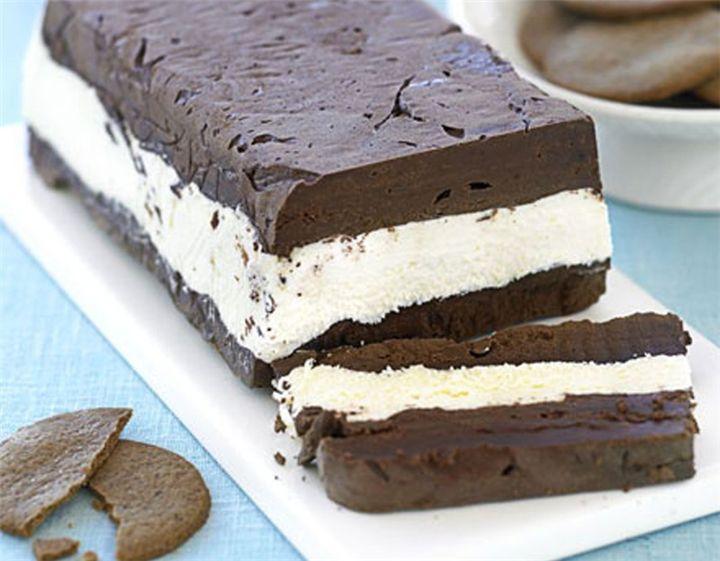 Γλυκό ψυγείου με λευκή και μαύρη σοκολάτα με 4 μόνο υλικά σε 4 κινήσεις!!! - Filenades.gr