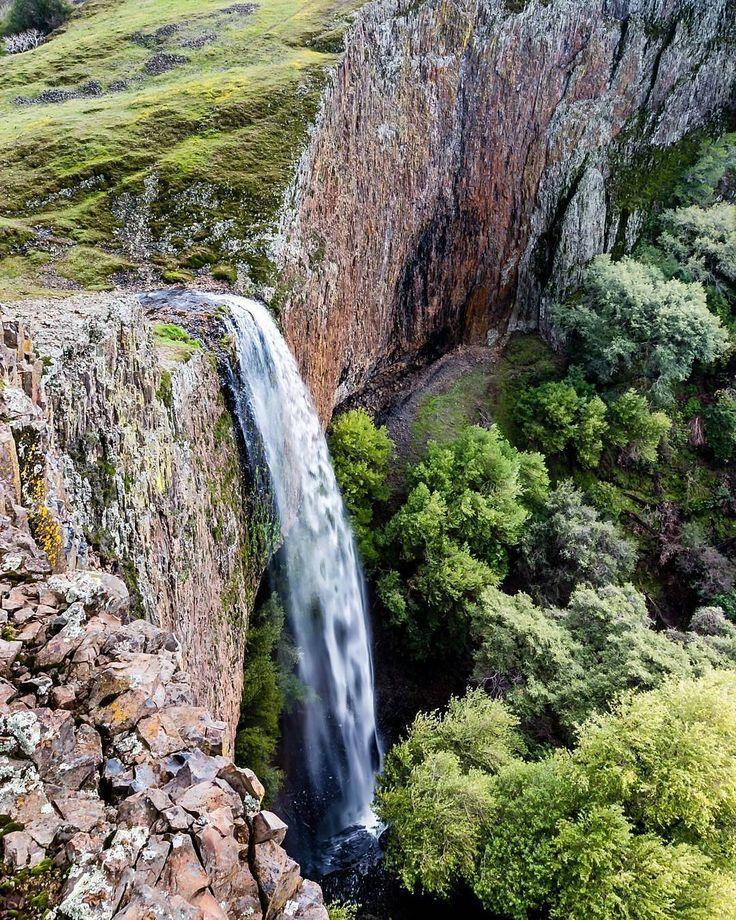 Водопад Phantom Falls, Северная Калифорния. Автор фото: @kkruchin. Другие пейзажи наших подписчиков можно увидеть по тегу #natgeoru.