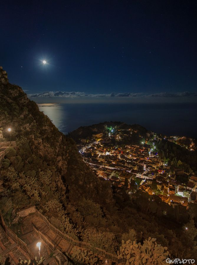 Taormina at night by Gaetano Manitta on 500px