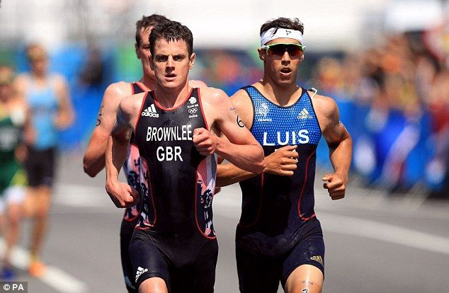 Brownlee brothers take gold and silver in triathlon