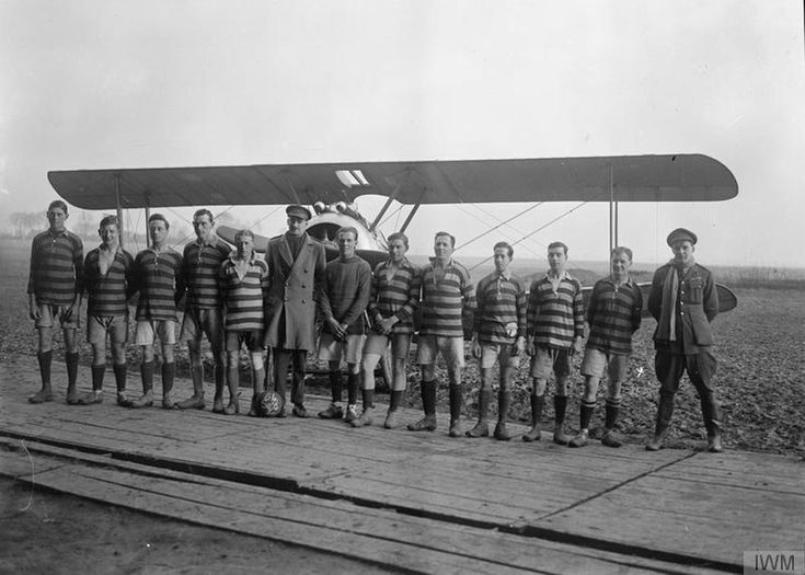 The Royal Flying Corp football team of No.54 Squadron RAF (1918)