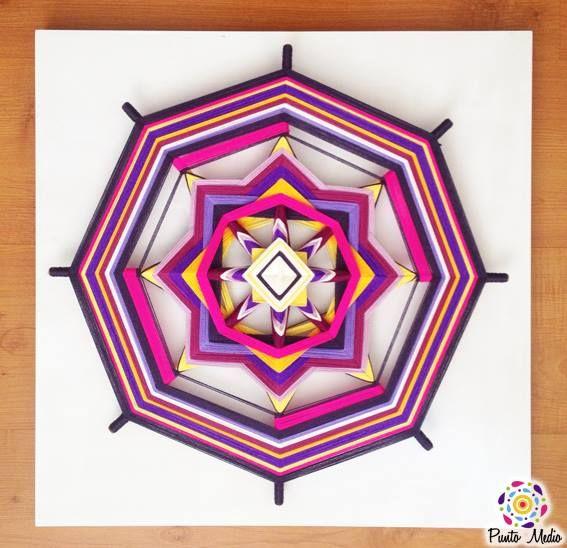 Mandala de la paz interior.  La combinación de morado con amarillo evoca la espiritualidad e irradia creatividad y alegría.  www.facebook.com/Ptomedio