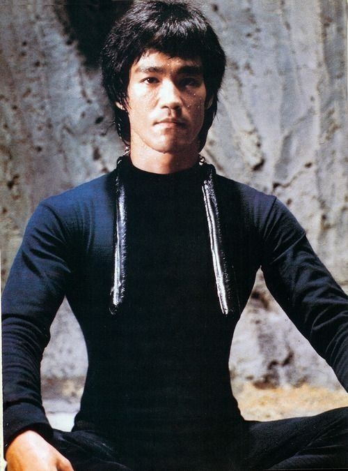 Bruce Lee - getting ready