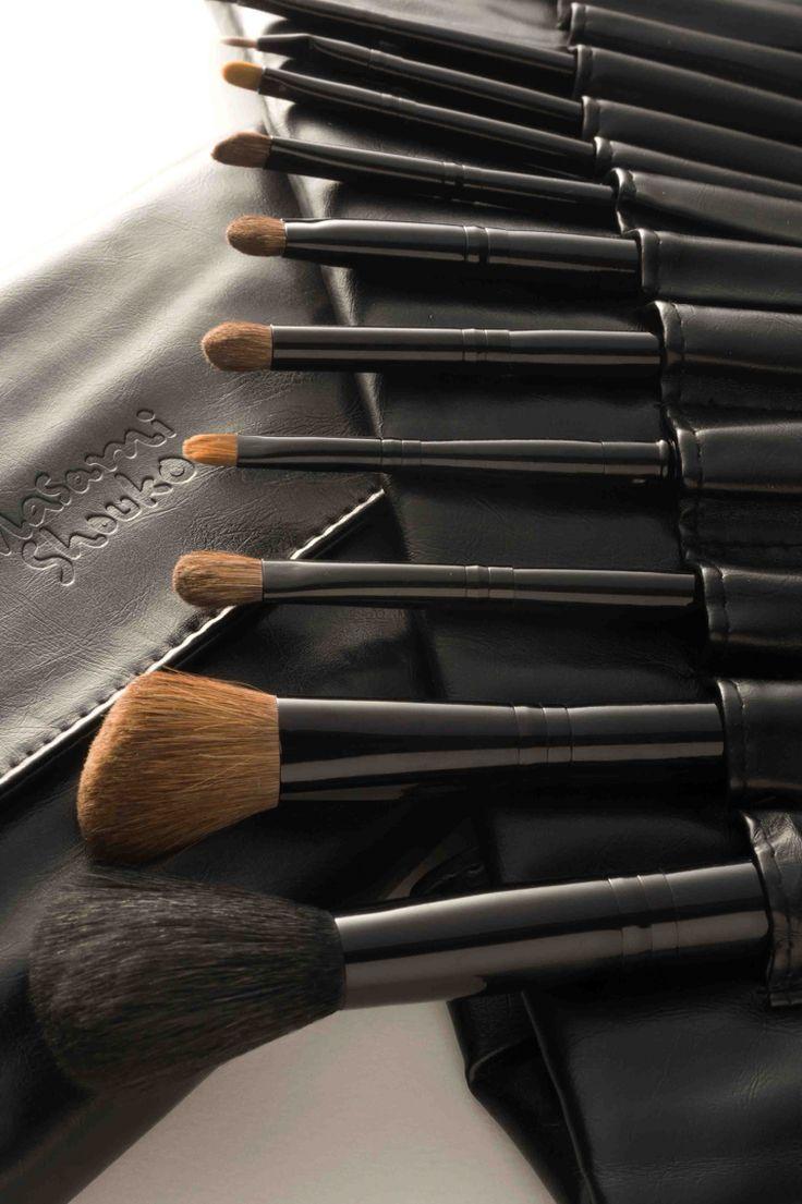 12 pcs black Masami Shouko makeup brush set