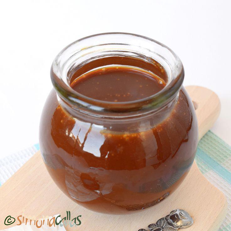 Sos de caramel Sosul de caramel este un preparat de bază în cofetărie, în sensul că el poate fi folosit de sine stătător (ca topping sau decor) ori...