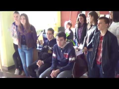 Učenici kod Štrosa © MArko Čuljat Lika press www.licke-novine.hr Lička t...