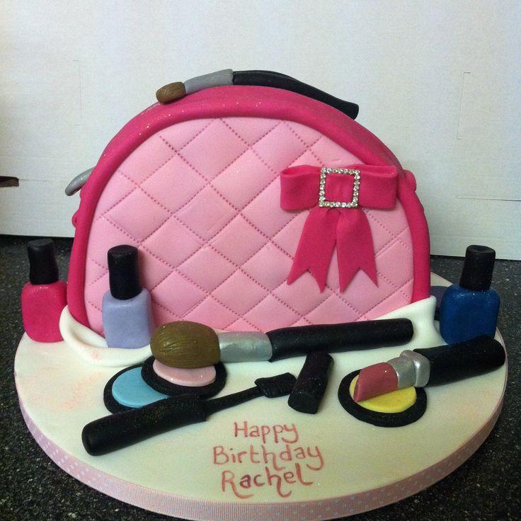 gâteau anniversaire sac à main vernis maquillage