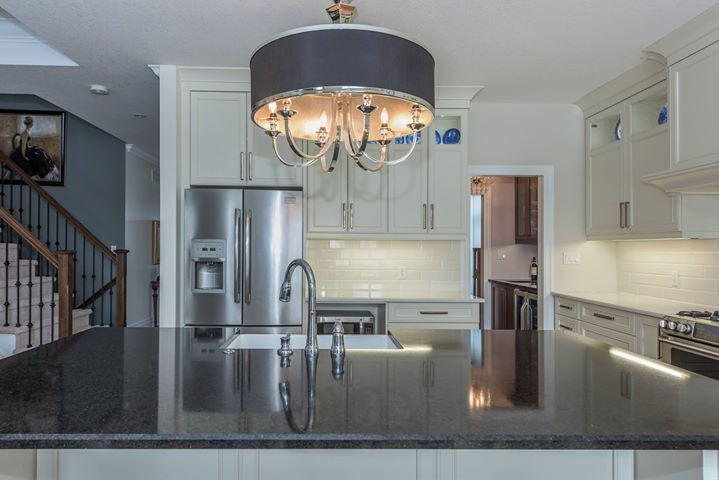 What I love about our home... A word from our sellers about 17-181 Skyline Avenue.  My heated floors; feels so good in winter when you aren't stepping on cold tile in your bare feet My 2 person tub; bubble baths are so luxurious!! My pantry and walk-in cl