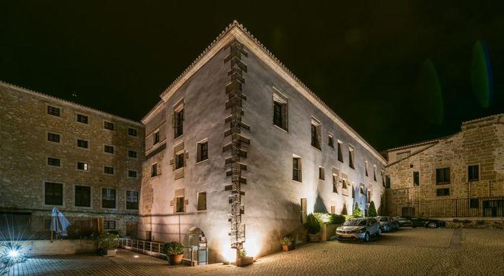 http://www.booking.com/hotel/es/palaciodesanesteban.fr.html?aid=7344163