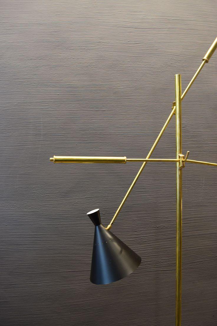 Superfici Continue ,Materie e colori coordinati per una casa dallo stile giovane,unico e contemporaneo.