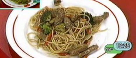 pasta con carne y verduras salteadas :: www.virginiademaria.cl