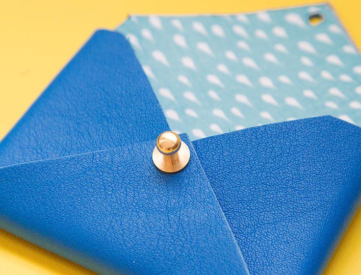 Mini enveloppes / Porte cartes en cuir – DIY »