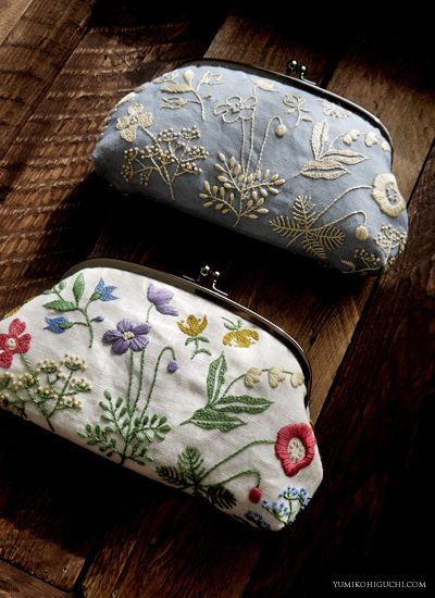 Hand-embroidered Soft-flowers clutch - Japan