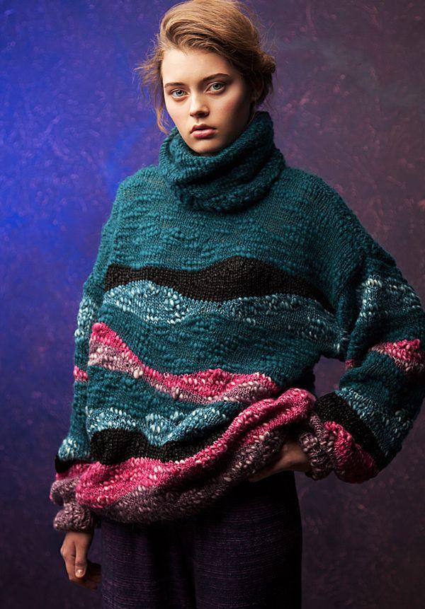 Lookbook fall-winter 2014-15. Oversized sweater - 460$ #25twentyfive25 #knitwear #fashion #sweater #oversized #austermann #multicolor