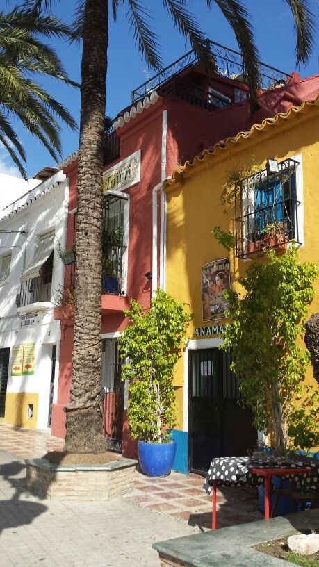 Cafees and restaurants in Old Marbella
