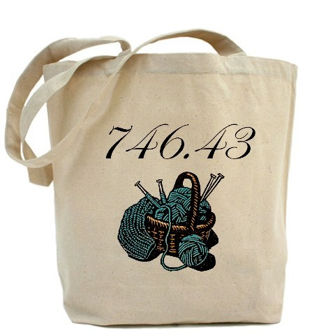 I can think of many people who would appreciate this.: Canvas Totes Bags, Book Chic, Knits Librarians, Libraries Things, Knitted Knits Things, Dewey Totes, Book Turning, Tote Bags, Book Pics