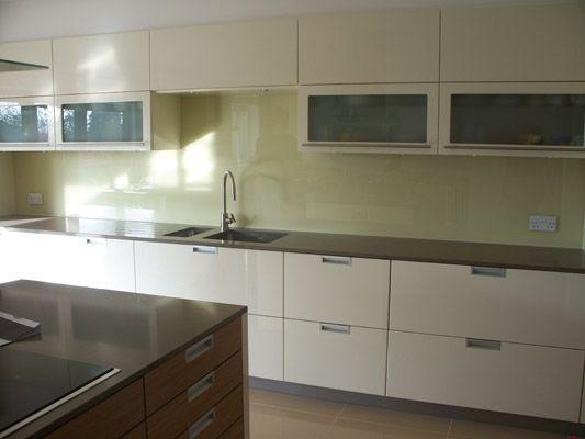Vc 009 salpicaderos de vidrio para cocina house for Cocinas en ele