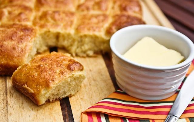 Brioche to francuskie śniadaniowe ciasto drożdżowe.