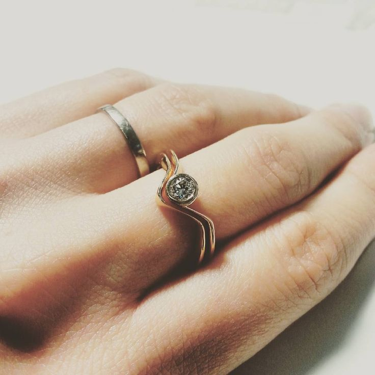 Engagement ring and wedding band design- so many ways to wear those two rings together. #new #beautiful #gold #ilovegold #love #wedding #diamond #ring #women #designer