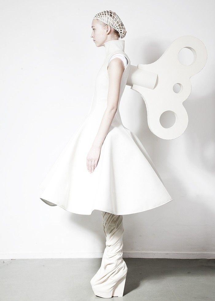 Modeconnect.com - Gareth Pugh & Katie Shillingford on a New Perspective for A/W14
