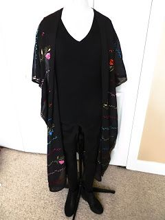 Refashioning: An Indian Sari into a Western Duster Cardigan. . . . . .kimono, caftan, embroidery, embroidered, embroider, trend, Fall Winter 2017, DIY, make your own!