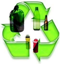 ¿Qué significa el triángulo que aparece en las botellas de plástico?