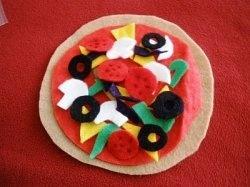 Free DIY play food patternsFelt Play Food, Sewing Felt, Children Plays, Felt Pizza, Homemade Toys, Felt Plays Food, Toddlers, Felt Food, Crafts