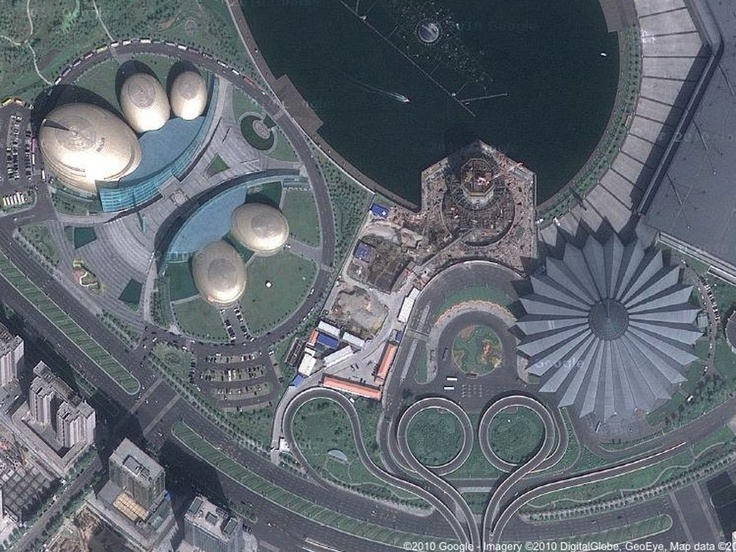 China's ghost cities - satellite photos - Like Ordos, Zhengzhou New District has glamorous public buildings