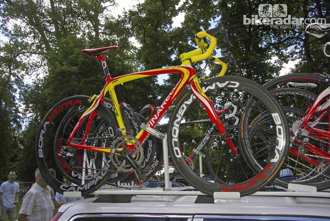 Sorry, this isn't actually Oscar Pereiro's 2006 Pinarello Prince. This bike belongs to Caisse d'Epargne teammate Alejandro Valverde but Pereiro's machine was virtually identical in terms of spec