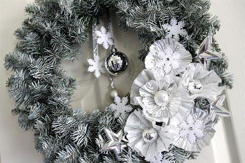 Christmas DIY Craft – Winter Wreath www.partysuppliesnow.com.au
