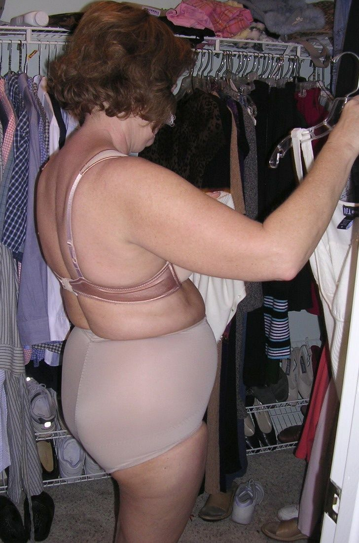 Granny girdle mature