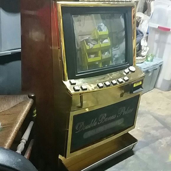 Gameking 31 game slotmachine! Has multi denom, Works great! 1c to 25 c. Keno, cards, slots!! igt Other