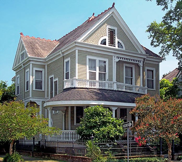 63 best images about Victorian houses on Pinterest Queen