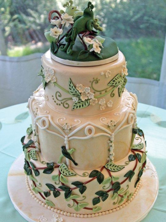 LOTR: Rivendell-inspired wedding cake by Irene's Cakes by Design