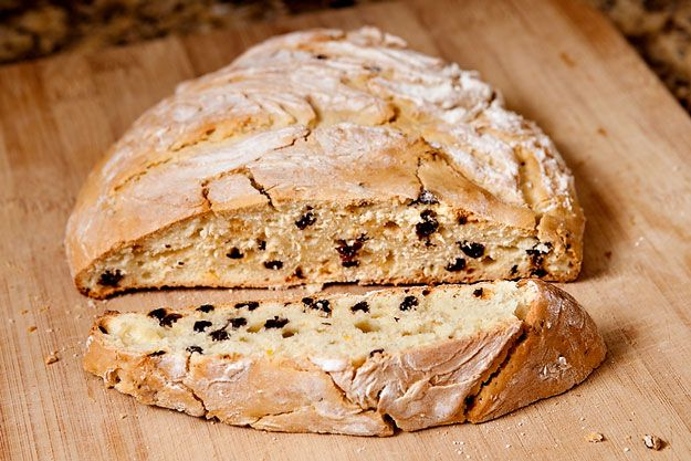 Currant Bread | 10 Pioneer Recipes That Survived The Oregon Trail