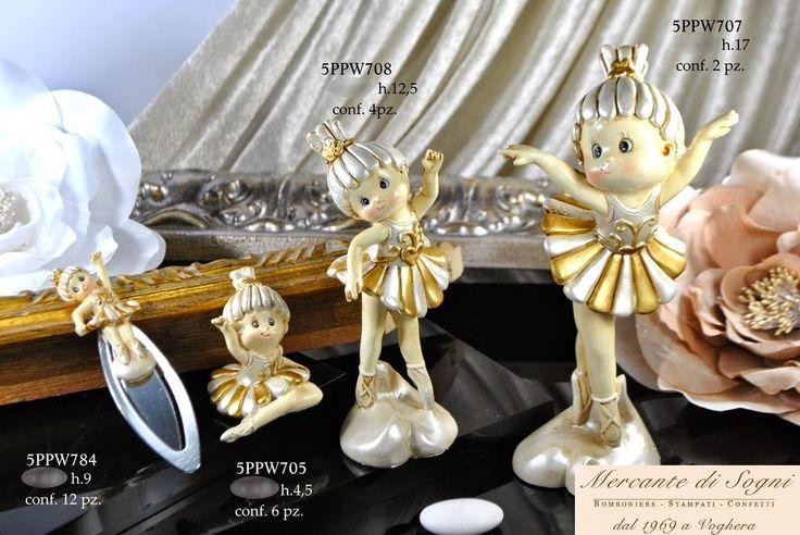 """Mercante di Sogni - Voghera - Bomboniere e Stampati dal 1969 - Vendita ai privati: 12/10/14 Collezione """"IRIA"""" Le Resine - BALLERINE AVORIO-ORO -  Segnalibro - Seduta - In piedi   Linea di bomboniere composta da ballerine in diverse pose e misure.  Read more: http://mercantedisognivoghera.blogspot.com/2014_12_10_archive.html#ixzz3MMURynXF"""