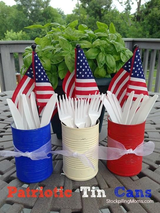 Patriotic Tin Can - Easy 4th of July or Memorial Day Party Utensil Holders#DIY