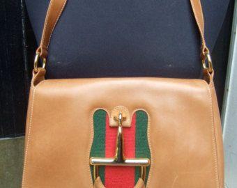 GUCCI Italia in pelle marrone caramello rara briglia emblema tracolla c 1970 (genuino)