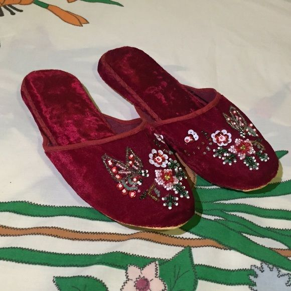 Chinese red velvet slippers beautiful beading w/ soft ...