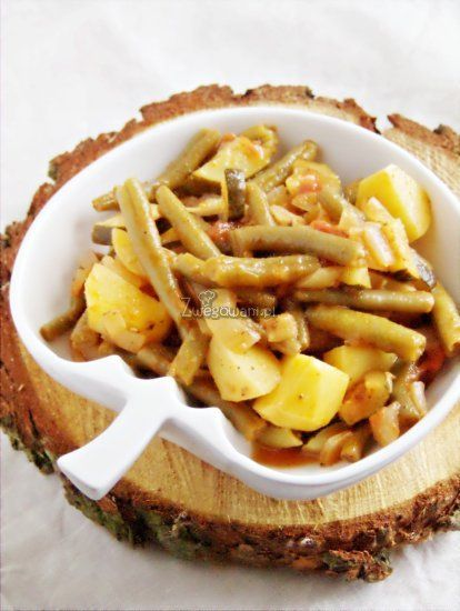 Gulasz z fasolki szparagowej i innych warzyw. Spawdź nasz przepis na wegetariański gulasz!