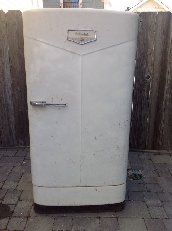 Vintage 1949 Hotpoint Refrigerator in Working by