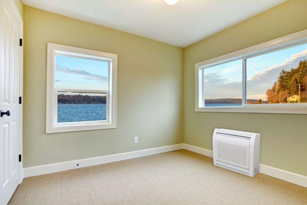 Τι είναι τα κλιματιστικά δαπέδου, ποια είναι τα πλεονεκτήματα και τα μειονεκτήματα τους και πότε να επιλέξετε κλιματιστικό δαπέδου για το χώρο σας.