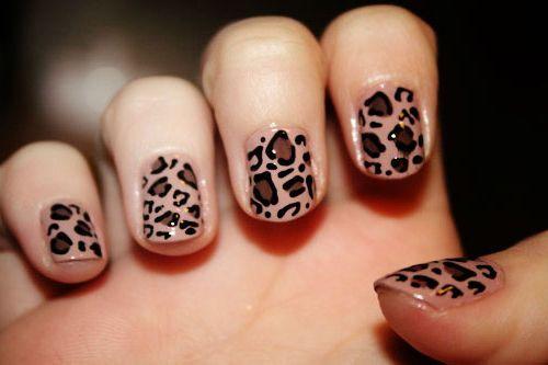 Φτιάξε λεοπάρ νύχια στο σπίτι